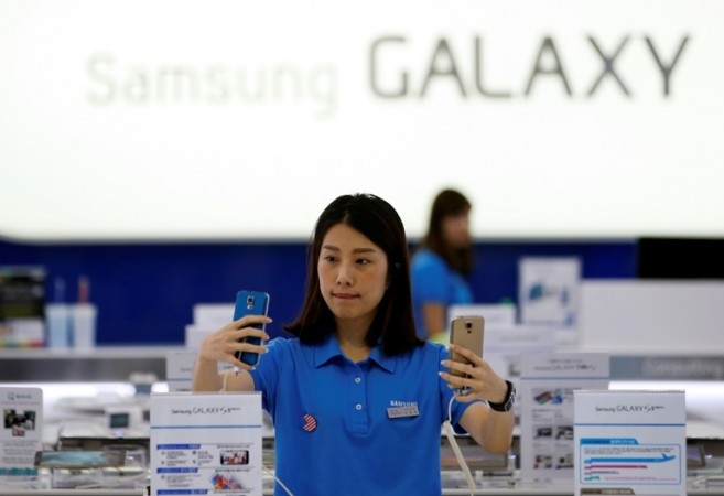 Has Samsung really taken over Apple in premium smartphone race in India?
