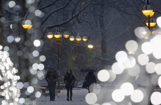 white christmas 2014 snow prediction for some us states disappointing forecast for uk