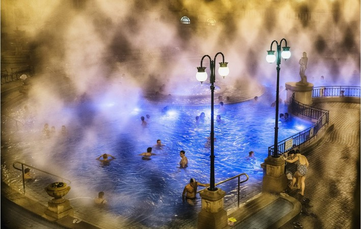 Bathing in Budapest, by Triston Yeo which won in the Places category of National Geographic 2014 Photo Contest