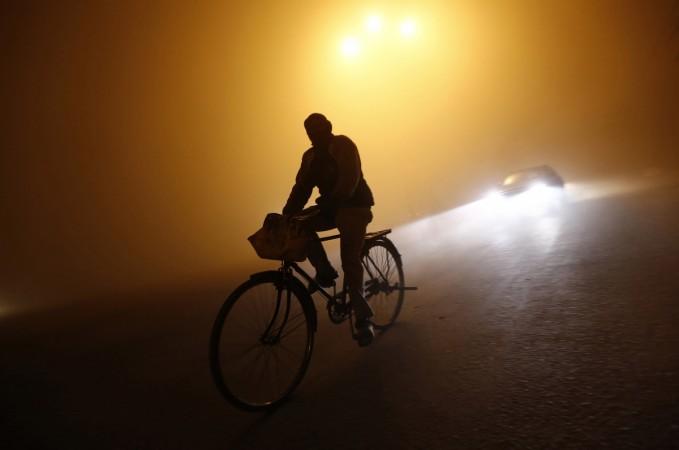 cold wave winters fog delhi