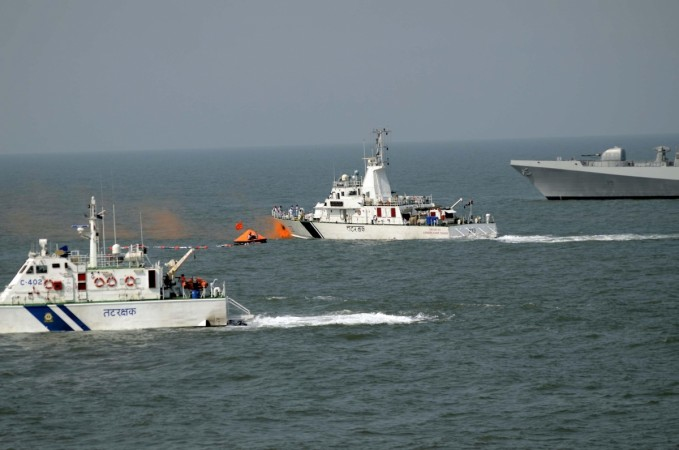 http://data1.ibtimes.co.in/cache-img-0-450/en/full/554184/1515923672_coast-guard.jpg