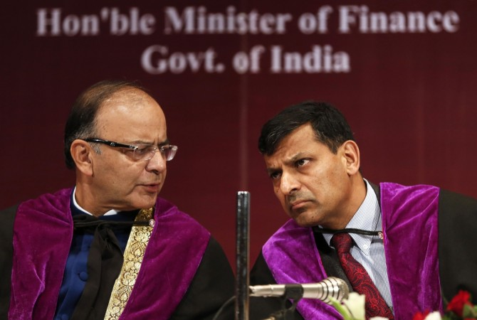 Arun Jaitley and Raghuram Rajan at the Indira Gandhi Institute of Development Research