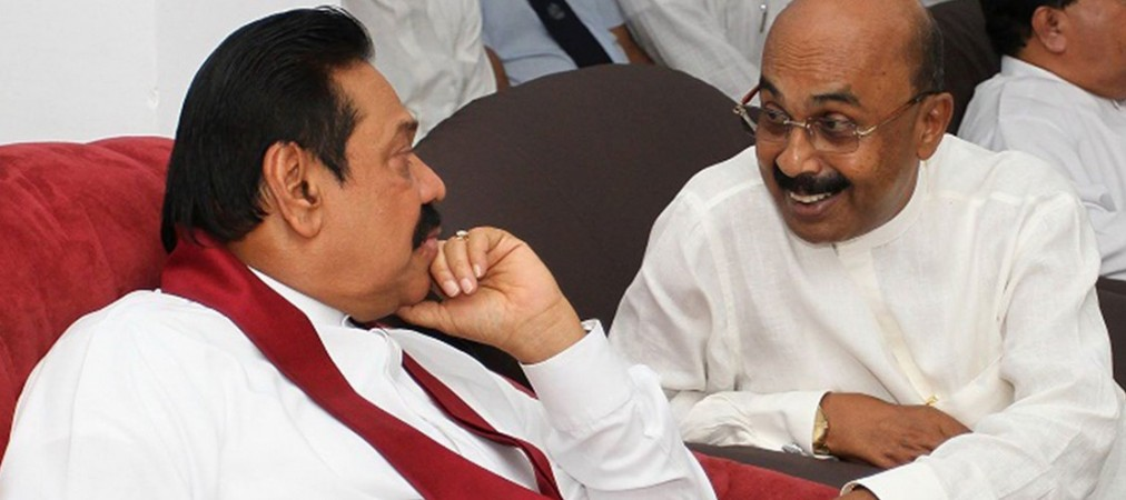 Sumanadasa Abeygunawardena wih former President Mahinda Rajapaksa
