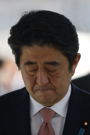 Japanese PM Shinzo Abe has sought help from his Middle Eastern allies to help save two Japanese hostages that the ISIS militants threatened to kill.