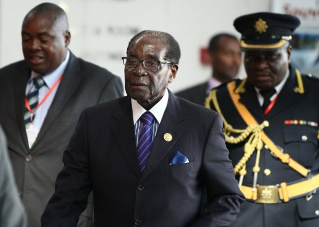 Zimbabwe ex-army chief who helped oust Mugabe sworn in as VP