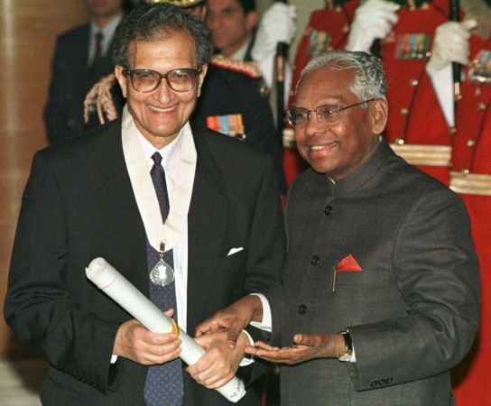 Prof.Amartya Sen being awarded the Bharat Ratna by India's then President K R Narayanan