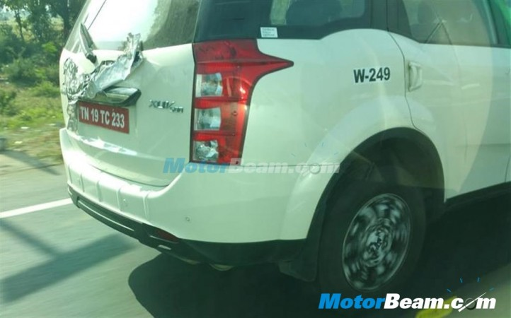 Mahindra 2015 XUV500 Facelift Spied with Sunroof; Expected Launch, Price, Feature Details [PHOTOS]