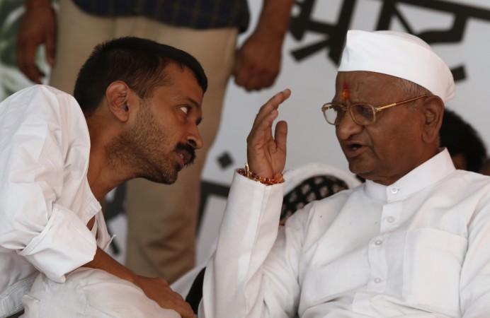 Hazare, Kejriwal
