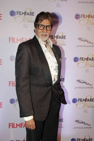 Filmfare Glamorous And Style 2015: Akshay Kumar, Big B, Sidharth Malhotra and Other Handsome Hunks Walked The Red Carpet