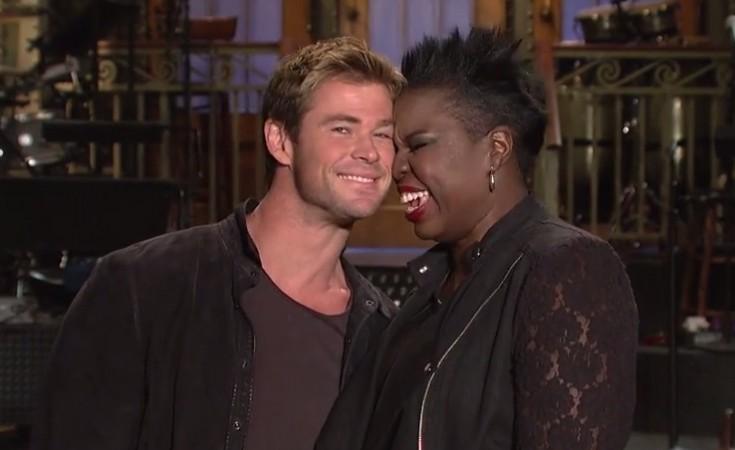 Leslie Jones and Chris Hemsworth in SNL 40