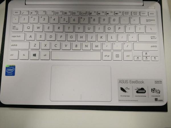 ASUS EeePad X205TA Keypad