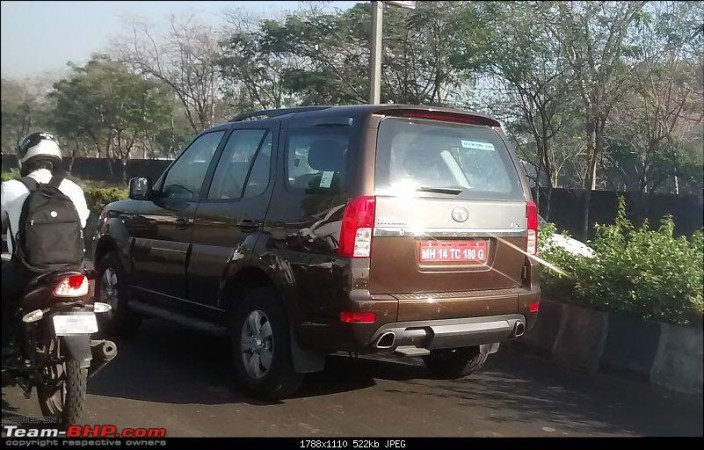 Tata Safari Storme Facelift Spied with Varicor 400 Badging