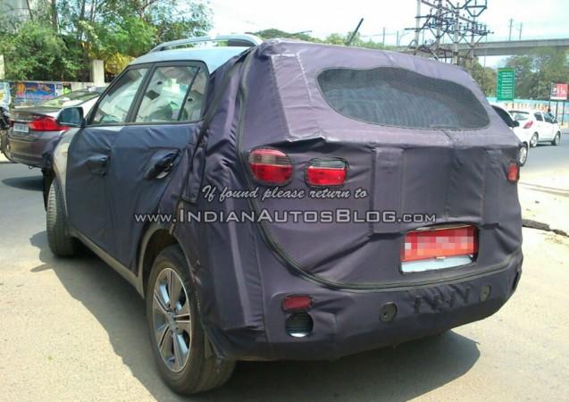 Hyundai ix25 Compact SUV Spied testing Again