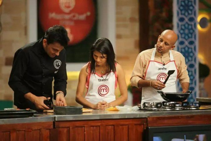 """Masterchef India 5"" auditions. Pictured: ""Masterchef India 4"" winner Nikita Gandhi with chef Vikas Khanna"