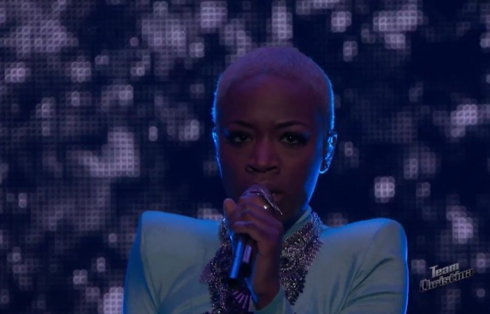 """Kimberly Nichole performs """"The House of the Rising Sun"""" on The Voice Season 8"""