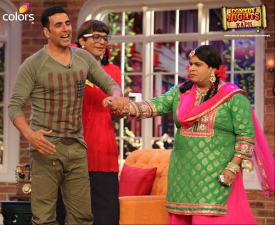 'Gabbar Is Back' Actors Akshay Kumar, Shruti Haasan Arrive At 'Comedy Nights With Kapil'