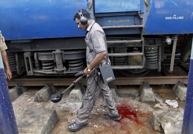 Bomb hits train in southwestern Pakistan, killing at least 3