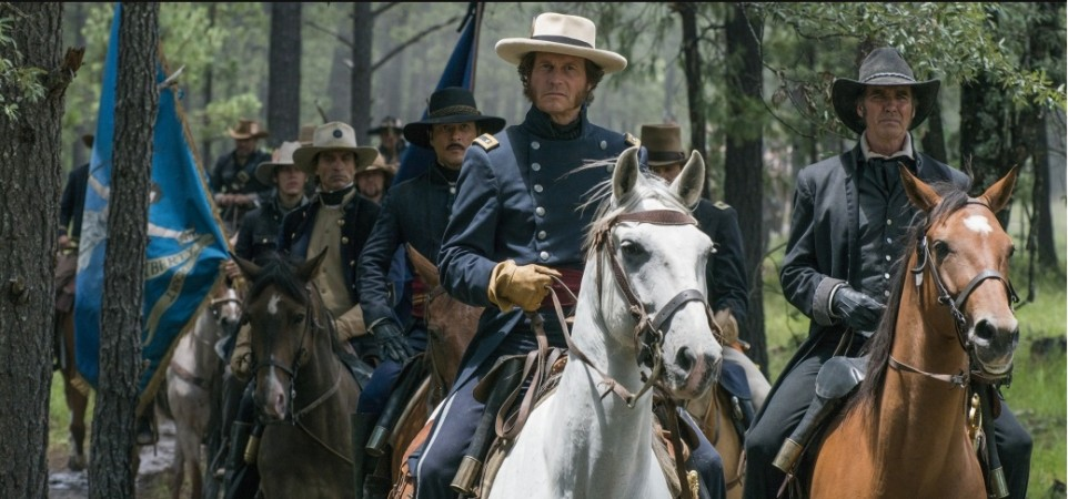 Bill Paxton as Sam Houston and Jeff Fahey as Thomas Rusk