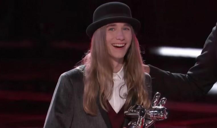 """Sawyer Fredericks wins """"The Voice"""" Season 8"""