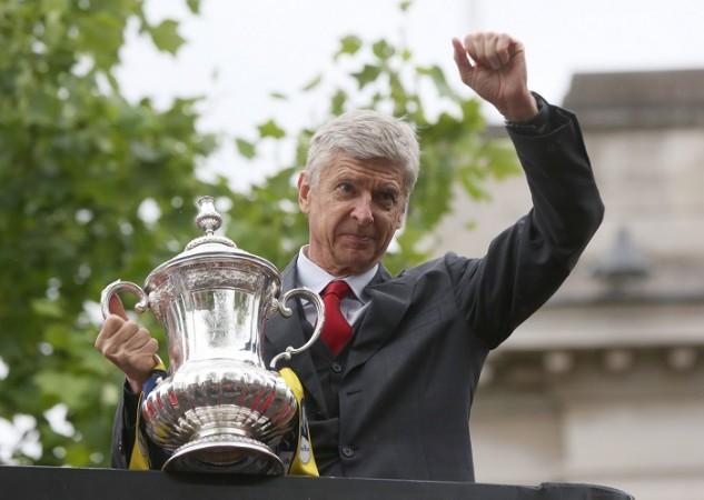 Arsene Wenger Arsenal FA Cup Trophy 2015