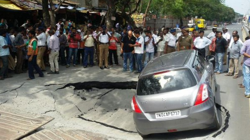 Road caves in Chennai