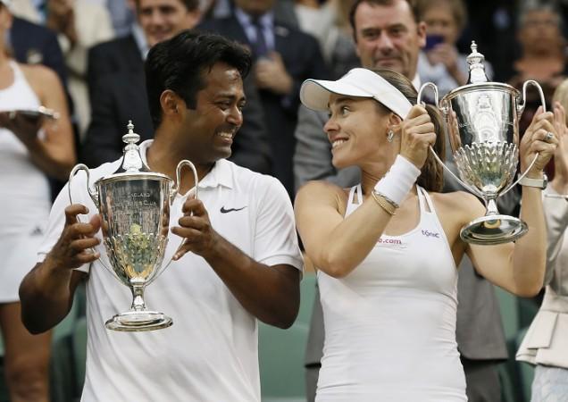 Leander Paes Martina Hingis Wimbledon 2015 Trophy
