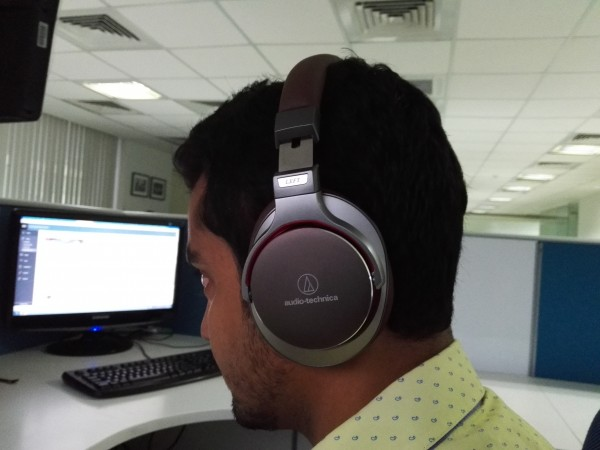 The ATH MS7 fits perfectly on the ears and is comfortable in use for several hours