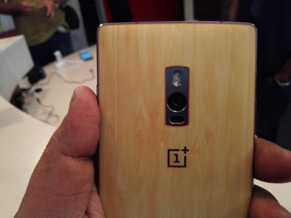 OnePlus 2 First Impression- Rear Camera Layout