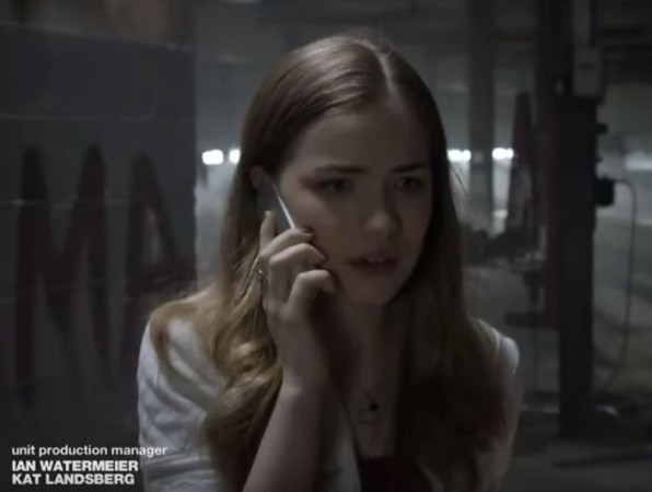 Emma on the phone with the killer