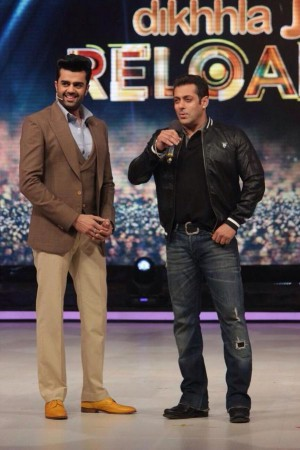Salman Khan on sets of 'Jhalak Dikhla Jaa 8'