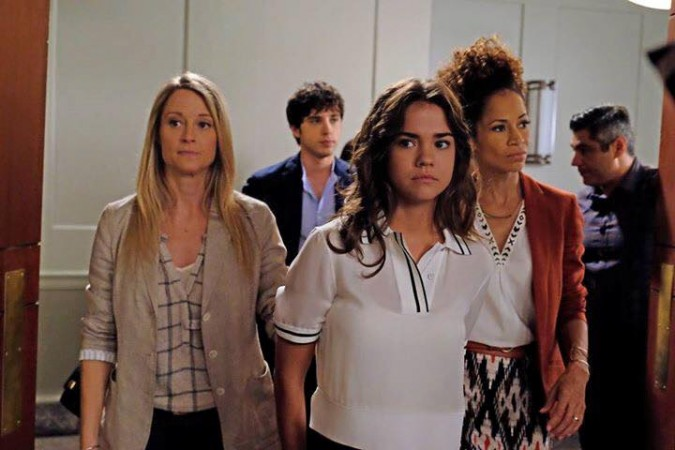 Callie with her mothers in 'The Fosters'