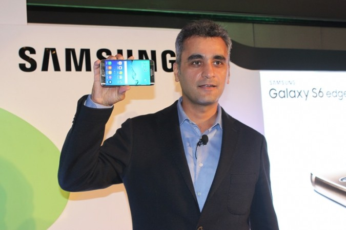 Asim Warsi, Vice President, Marketing, IT & Mobile Unveiling Samsung Galaxy S6 Edge