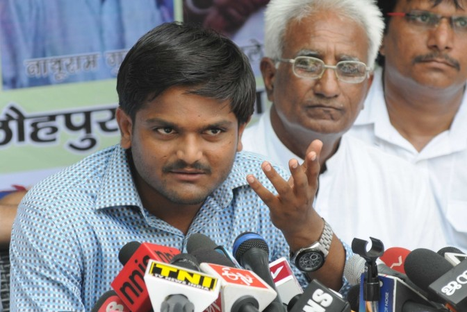 Hardik Patel's close aides join BJP