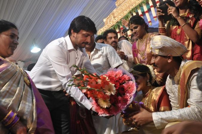 Sudeep Wishing Newly Married Nirupama Shivaraj Kumar
