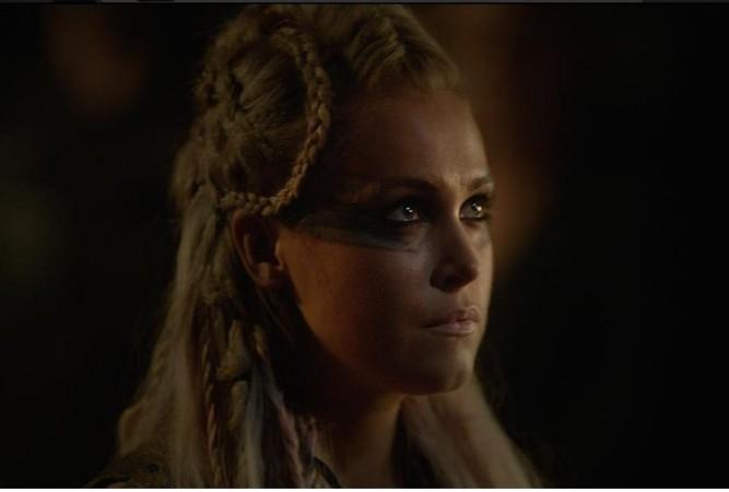 Clarke's new look in 'The 100' Season 3
