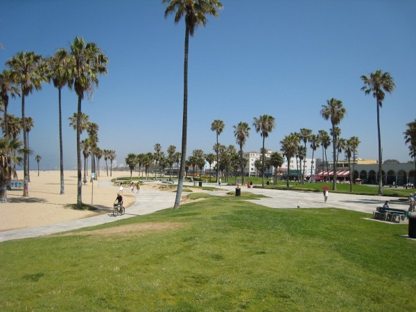 The Amazing Race Season 27 commenced from Venice Beach
