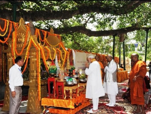 PM Narendra Modi at Mahabodhi Temple in Bodh Gaya