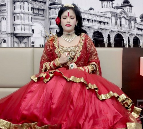 'Bigg Boss 9': Radhe Maa Slaps Show Makers and Channel with Legal Notice