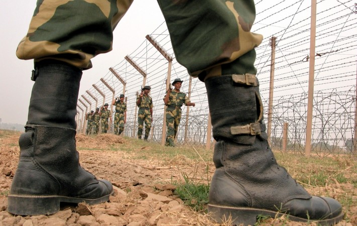Pakistan again violates ceasefire on Poonch LoC