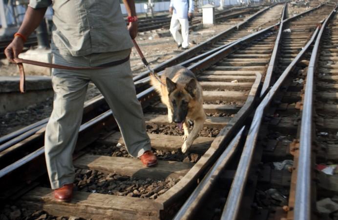 kolkata bomb in train