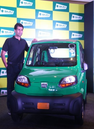 Bajaj unveils Qute aka RE60 only for exports
