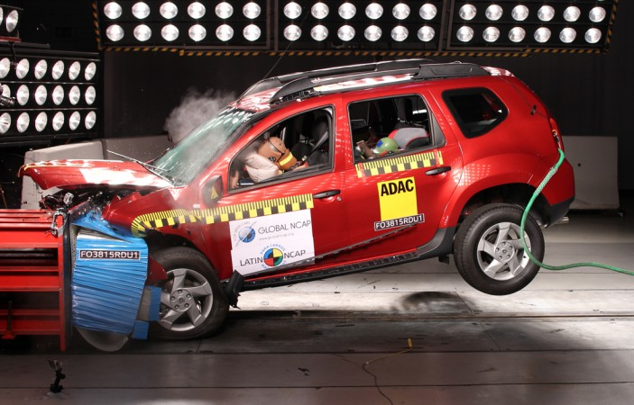 renault duster gets 4 stars in latin ncap crash test. Black Bedroom Furniture Sets. Home Design Ideas