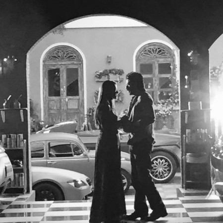 Shah Rukh Khan-Kajol bring back 40s romance with this black and white photo