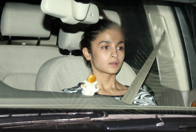 Alia Bhatt visits Sidharth Malhotra's house; reaches before the 'Kapoor & Sons' actor