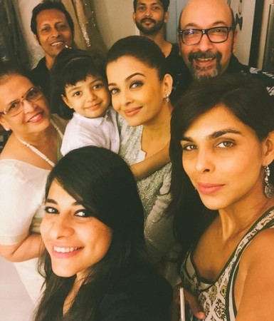 Aishwarya Rai Bachchan's adorable selfie with daughter Aaradhya