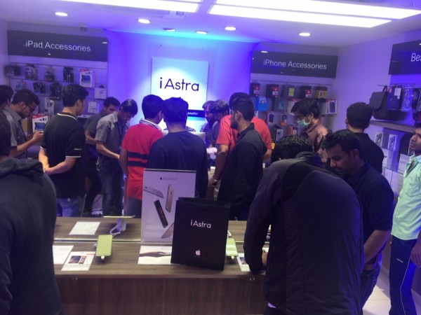 iPhone 6s series launch in India: Fans welcome new iPhones with great enthusiasm