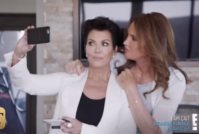 Kris and Cait take a selfie on 'I am Cait'