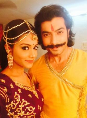 Ssharad Malhotra and Rachana Parulkar