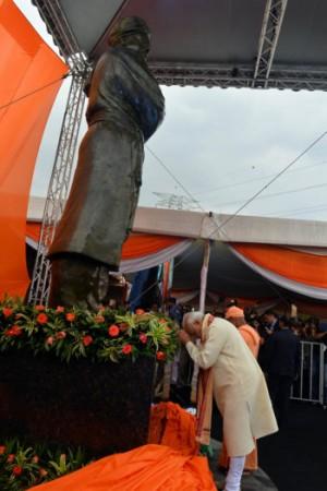 Modi unveiled Swami wami Vivekananda statue in Kuala Lumpur.
