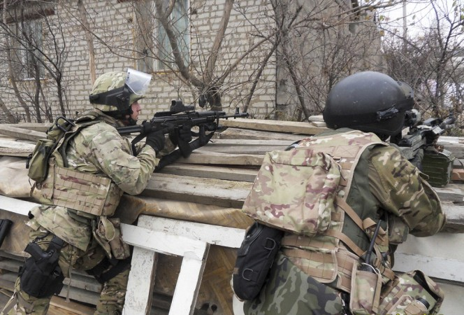 Russian FSB Spetsnaz forces take position